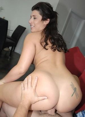 Big Ass Brunette Porn Pictures